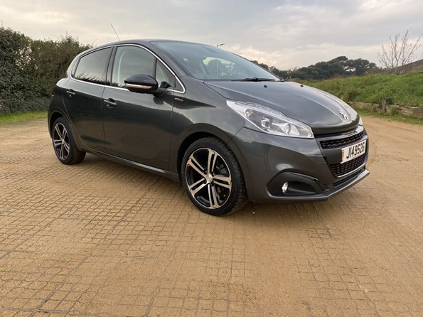 2017 Peugeot 208 1.2 110 GTline 5 door hatchback